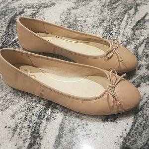 Womans leather ballet flats
